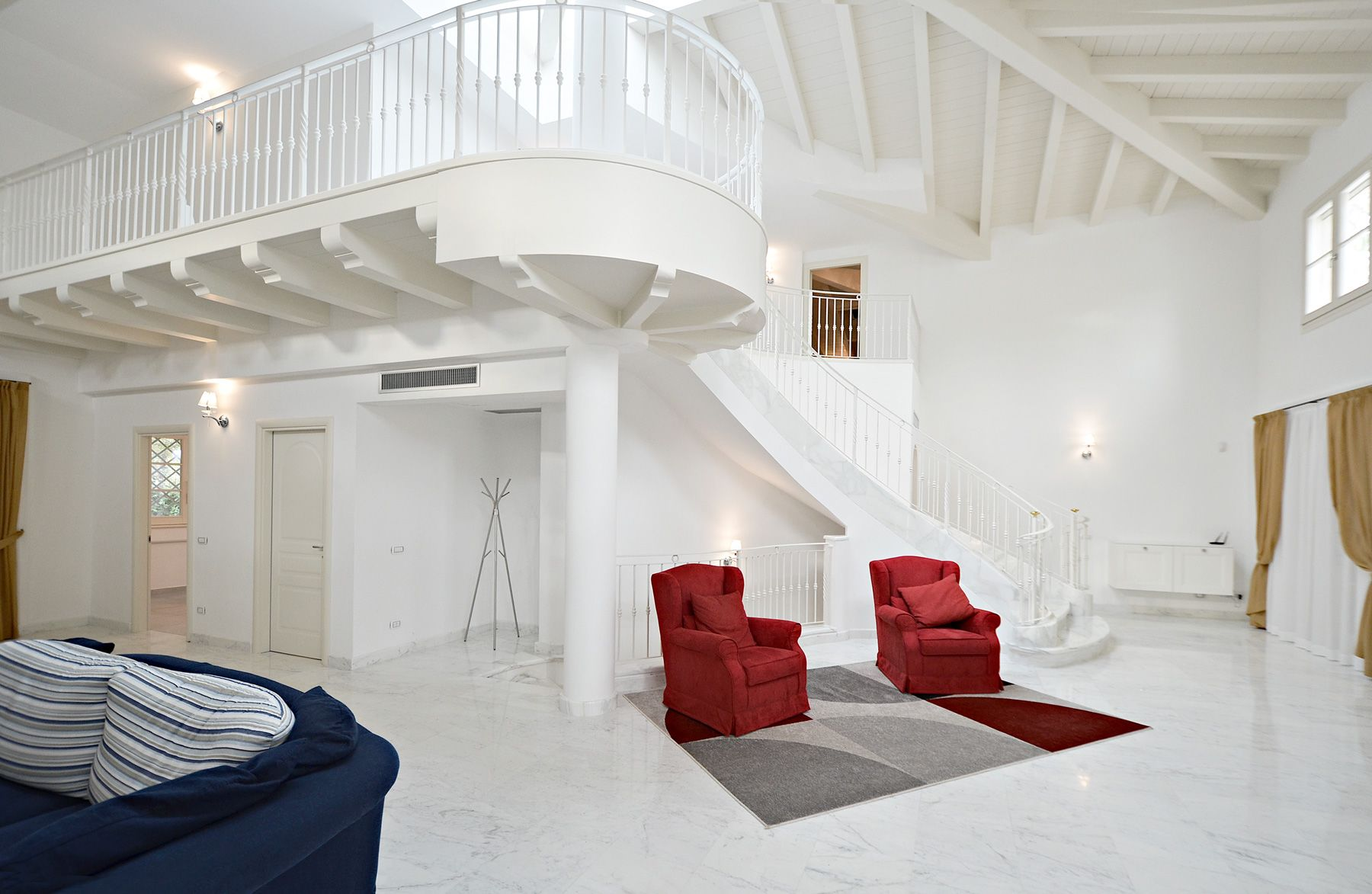 Image 8 | 8 bedroom villa for sale with 1,400m2 of land, Forte dei Marmi, Lucca, Tuscany 200510