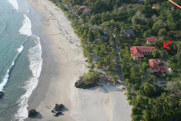 Image 1 | Stunning Beachfront Hotel for Sale in Costa Rica with 30 guest bedrooms. 200595