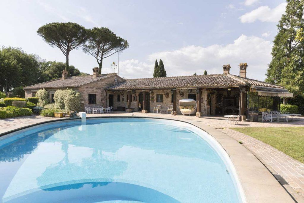 Image 11   18 bedroom house for sale with 0.6 hectares of land, Olgiata, Rome, Lazio 200984