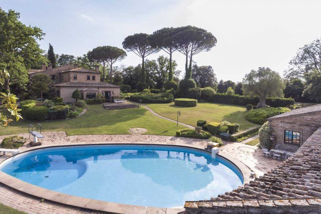 Image 4   18 bedroom house for sale with 0.6 hectares of land, Olgiata, Rome, Lazio 200984