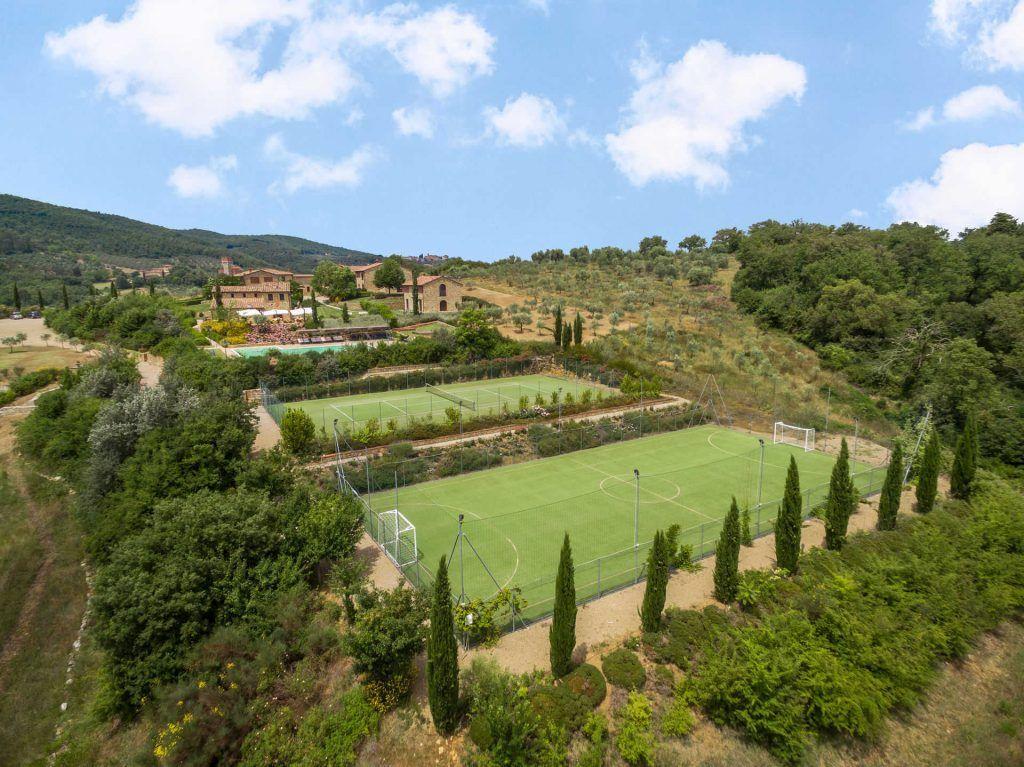 Image 4 | Prestigious Estate with a total of 80 bedrooms for sale, located in Bucine, Arezzo 200986