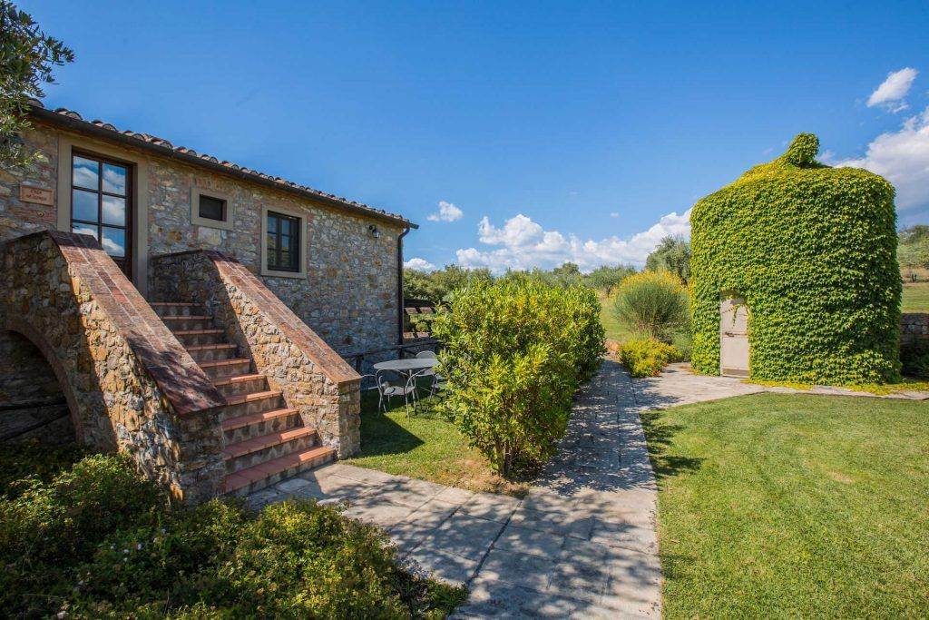 Image 6 | Prestigious Estate with a total of 80 bedrooms for sale, located in Bucine, Arezzo 200986