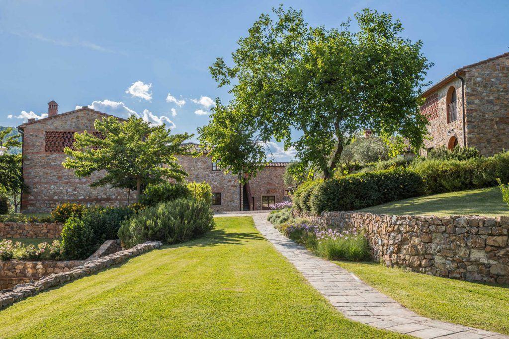 Image 7 | Prestigious Estate with a total of 80 bedrooms for sale, located in Bucine, Arezzo 200986