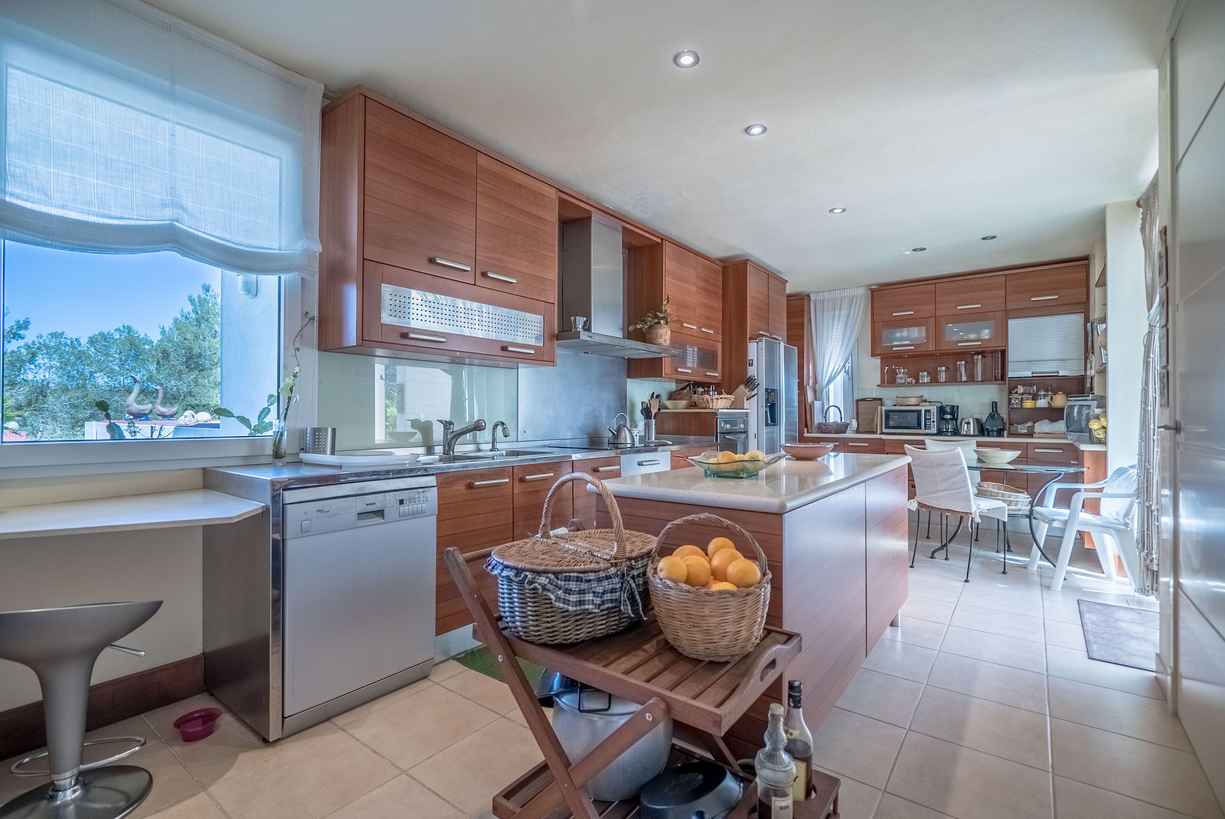 Image 4 | 4 bedroom villa for sale with 1 hectares of land, Santa Gertrudis de Fruitera, Central Ibiza, Ibiza 201040