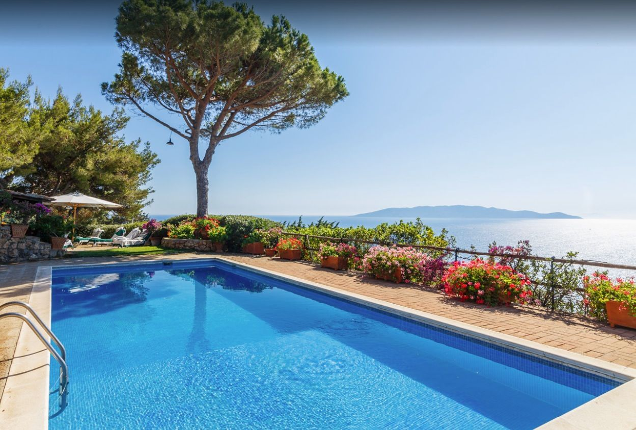 Image 1 | Stunning estate in Tuscany with 20 bedrooms for sale on Monte Argentario 201541
