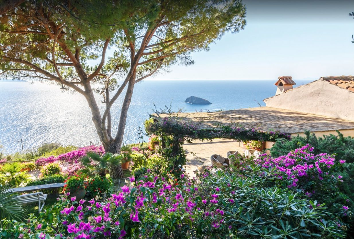 Image 13 | Stunning estate in Tuscany with 20 bedrooms for sale on Monte Argentario 201541