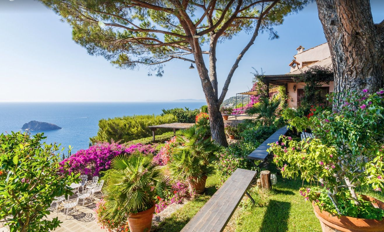 Image 31 | Stunning estate in Tuscany with 20 bedrooms for sale on Monte Argentario 201541