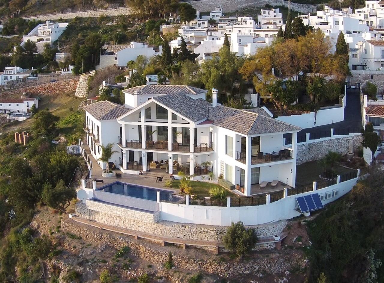 Image 1 | 4 bedroom villa for sale with 1,860m2 of land, Mijas, Malaga Costa del Sol, Andalucia 202392