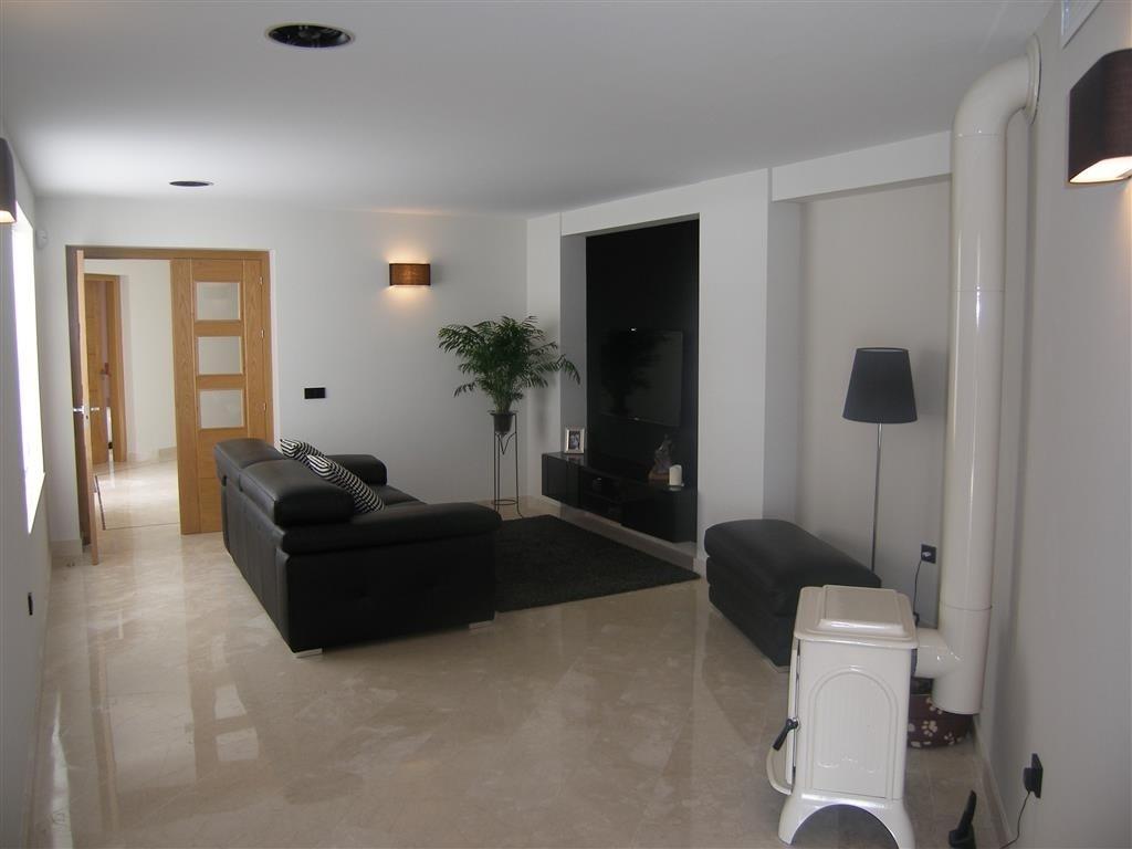 Image 13 | 4 bedroom villa for sale with 1,860m2 of land, Mijas, Malaga Costa del Sol, Andalucia 202392
