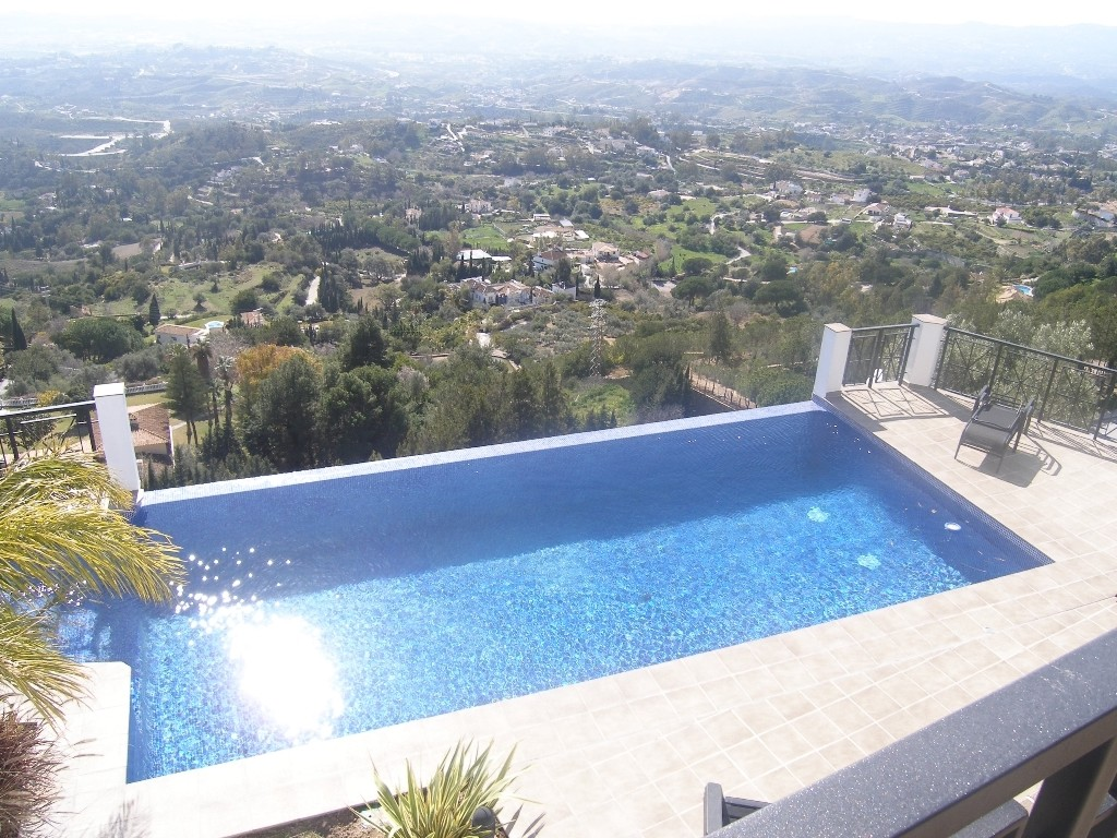 Image 15 | 4 bedroom villa for sale with 1,860m2 of land, Mijas, Malaga Costa del Sol, Andalucia 202392
