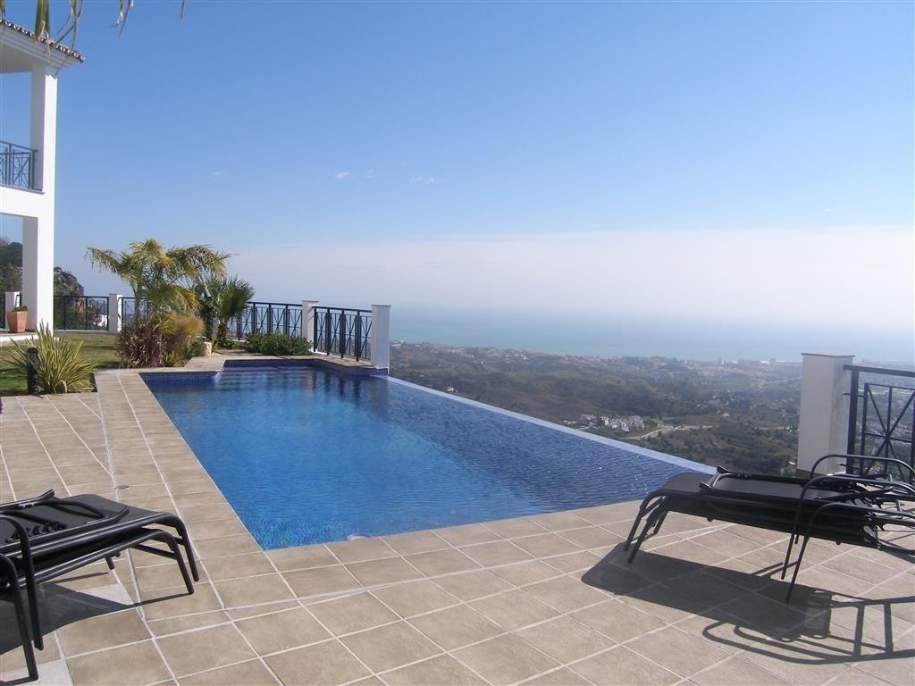 Image 5 | 4 bedroom villa for sale with 1,860m2 of land, Mijas, Malaga Costa del Sol, Andalucia 202392