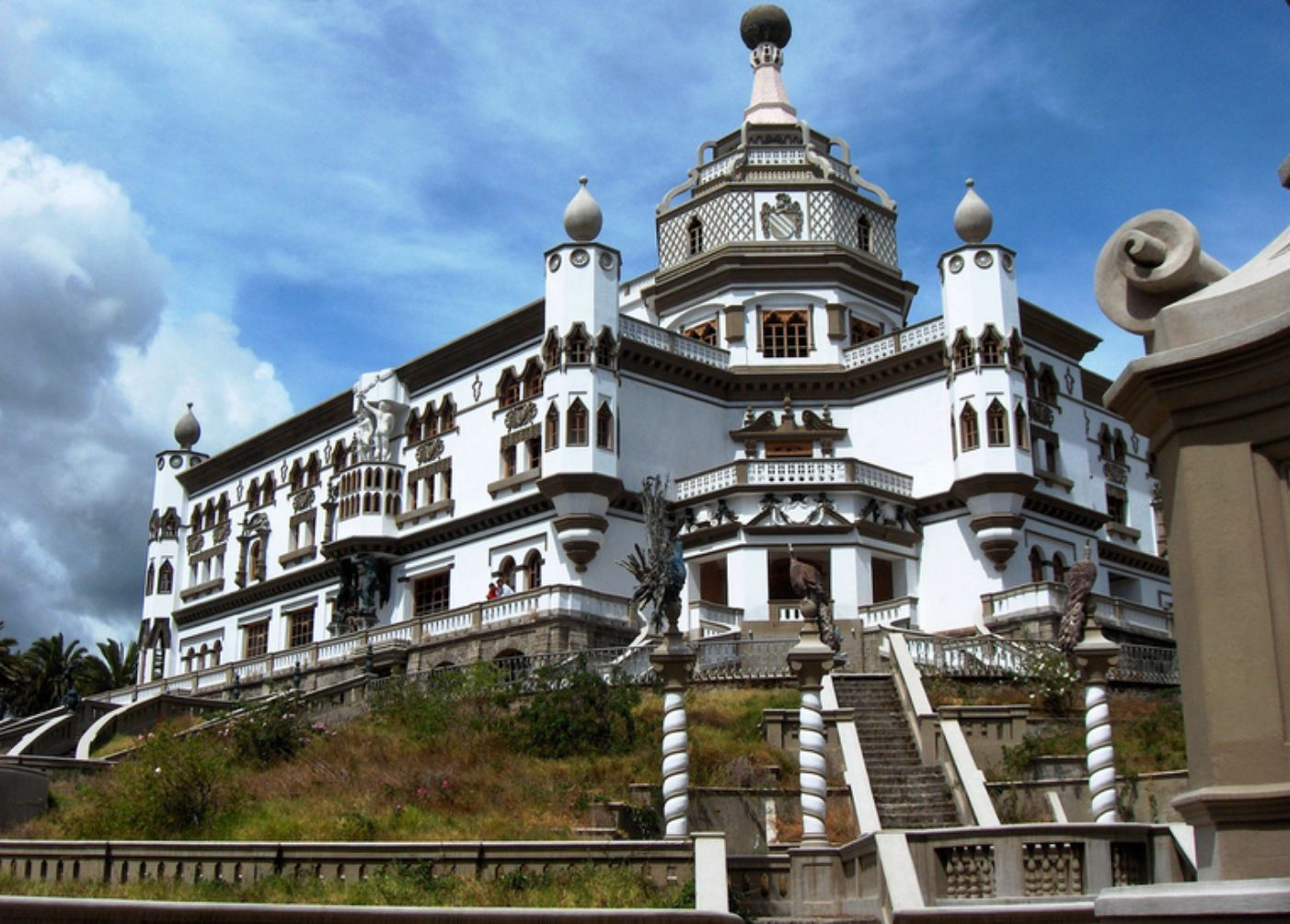 Image 1 | 50 bedroom castle for sale with 28.5 hectares of land, Cayambe, Pichincha 202658