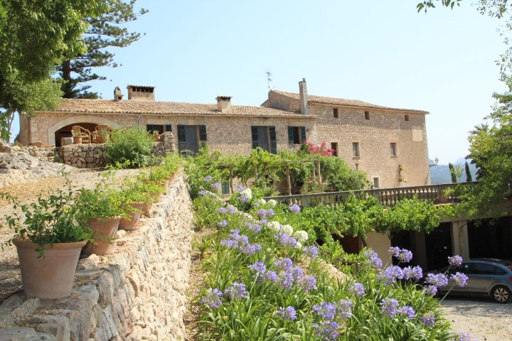 Image 2 | 10 bedroom manor house for sale with 470,000m2 of land, Esporles, North Western Mallorca, Mallorca 203054