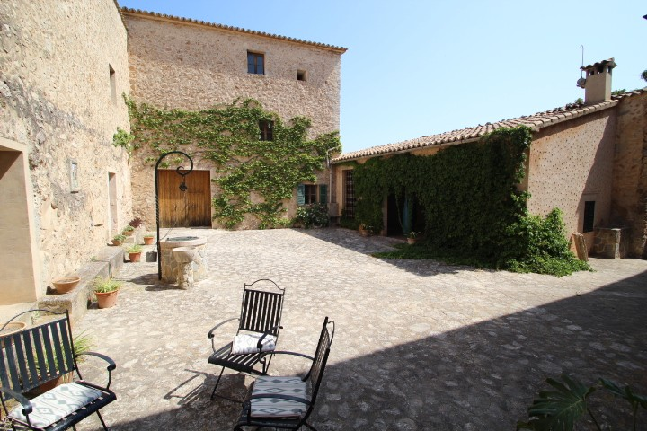Image 4 | 10 bedroom manor house for sale with 470,000m2 of land, Esporles, North Western Mallorca, Mallorca 203054