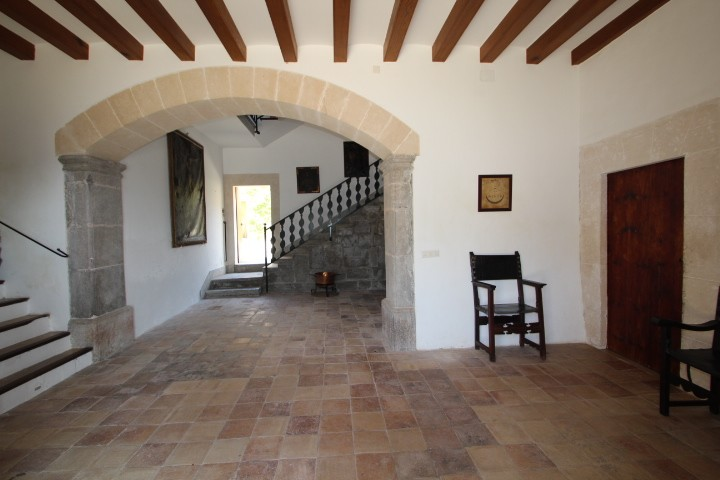 Image 9 | 10 bedroom manor house for sale with 470,000m2 of land, Esporles, North Western Mallorca, Mallorca 203054