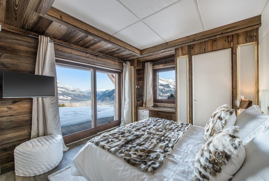 Image 8   Spectacular Ski Chalet for Sale in Megeve with 7 Bedrooms, Pool and Home Cinema 203157