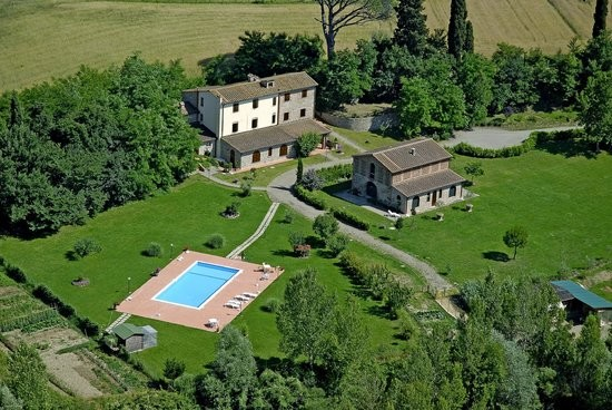 Image 2 | 8 bedroom farmhouse for sale with 1 hectares of land, Terricciola, Pisa, Tuscany 204024