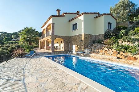 Image 1   5 bedroom villa for sale with 0.22 hectares of land, Platja d'Aro, Girona Costa Brava, Catalonia 204129