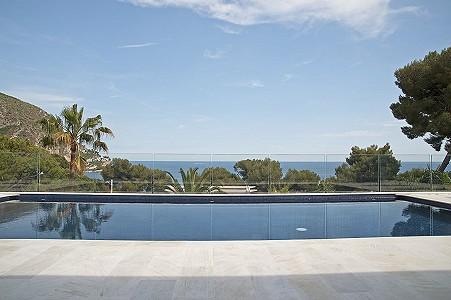 Image 1   5 bedroom villa for sale with 1,400m2 of land, Eze, Eze Cap d'Ail, French Riviera 204200