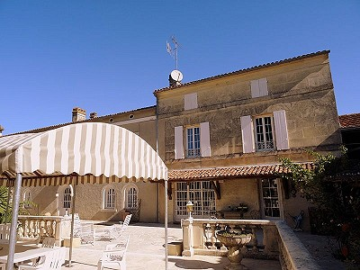 Image 1 | 5 bedroom house for sale with 0.77 hectares of land, Cognac, Charente , Poitou-Charentes 204214