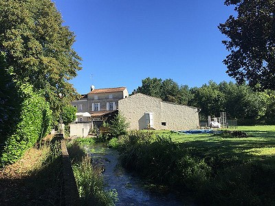 Image 2 | 5 bedroom house for sale with 0.77 hectares of land, Cognac, Charente , Poitou-Charentes 204214