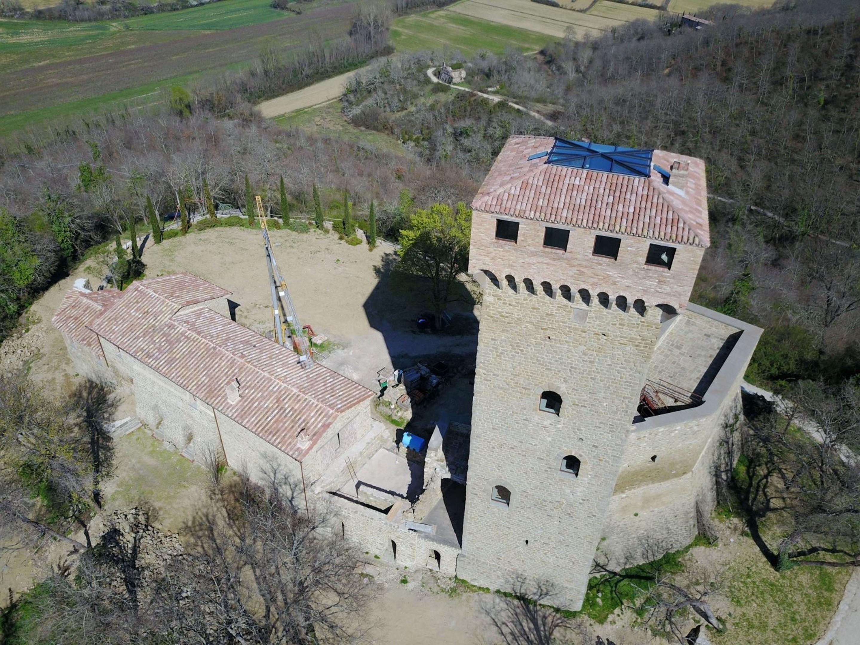 Image 13   7 bedroom castle for sale with 6,500m2 of land, Passignano sul Trasimeno, Perugia, Umbria 204441