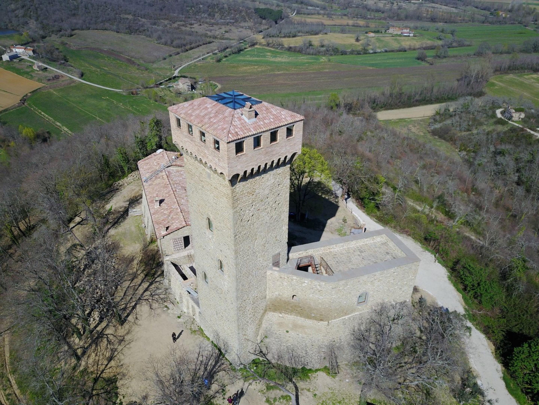 Image 15   7 bedroom castle for sale with 6,500m2 of land, Passignano sul Trasimeno, Perugia, Umbria 204441