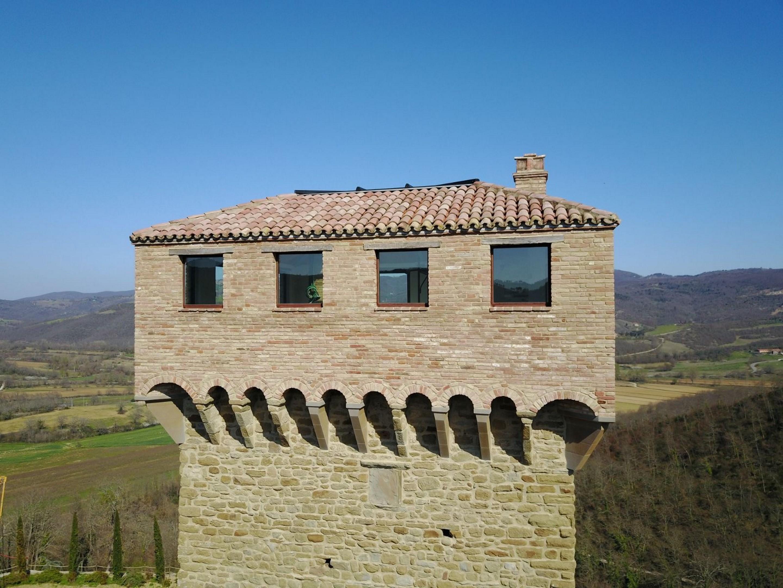Image 5   7 bedroom castle for sale with 6,500m2 of land, Passignano sul Trasimeno, Perugia, Umbria 204441