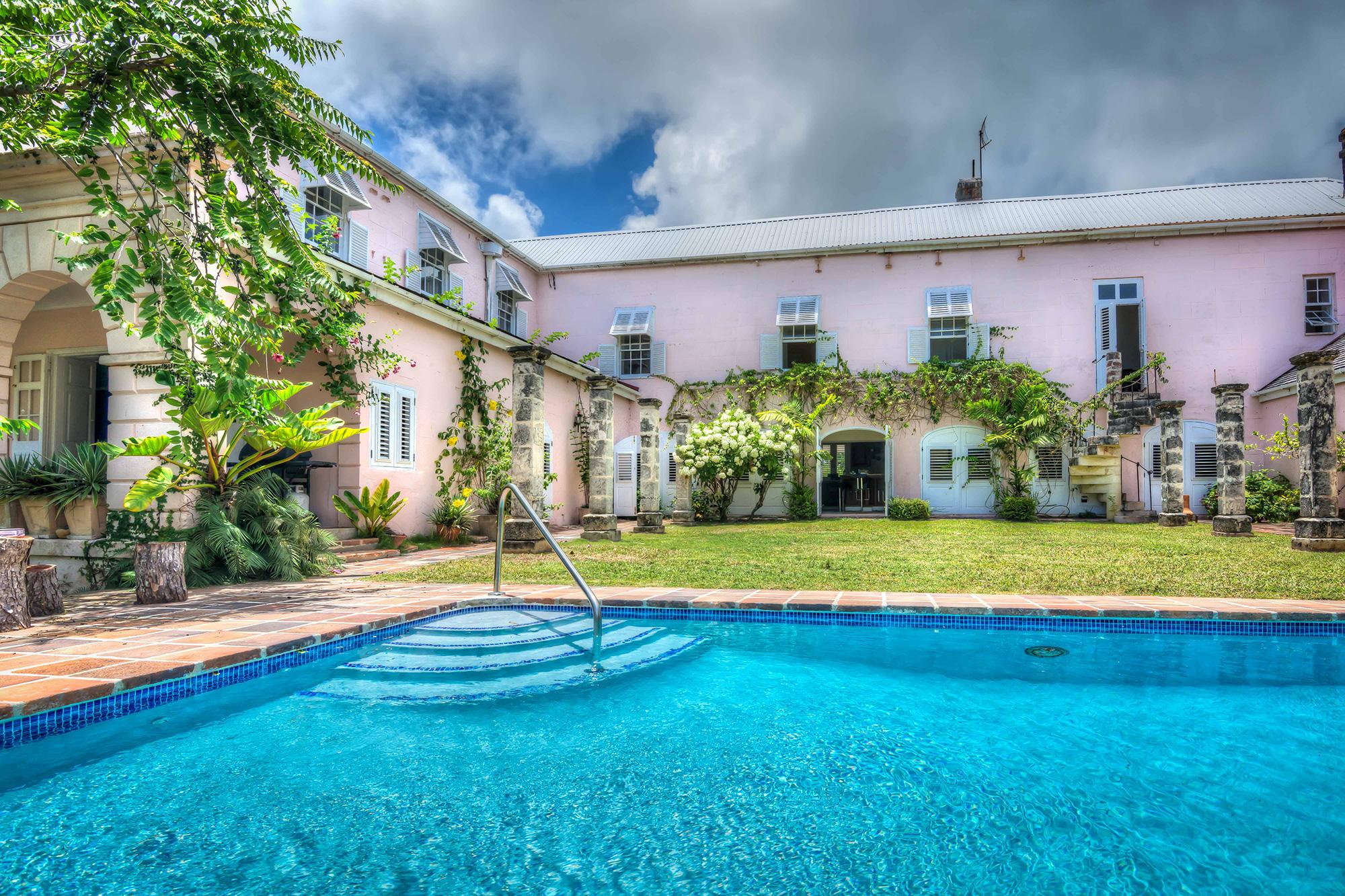 Image 2 | 6 bedroom villa for sale, Saint John 204525