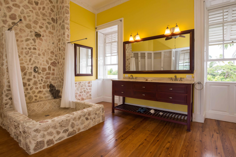 Image 32 | 6 bedroom villa for sale, Saint John 204525
