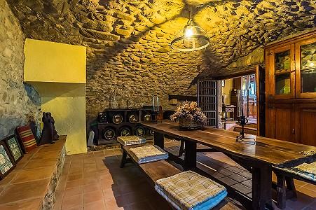 Image 20   8 bedroom farmhouse for sale with 3 hectares of land, Calonge, Girona Costa Brava, Catalonia 204543