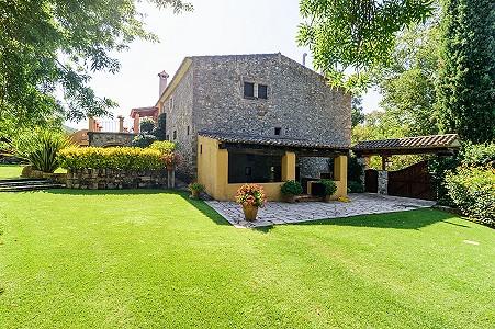 Image 3   8 bedroom farmhouse for sale with 3 hectares of land, Calonge, Girona Costa Brava, Catalonia 204543