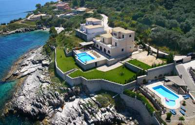 Image 1 | 4 bedroom villa for sale with 1,600m2 of land, Kassiopi, Corfu, Ionian Islands 205598