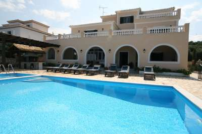Image 2 | 4 bedroom villa for sale with 1,600m2 of land, Kassiopi, Corfu, Ionian Islands 205598