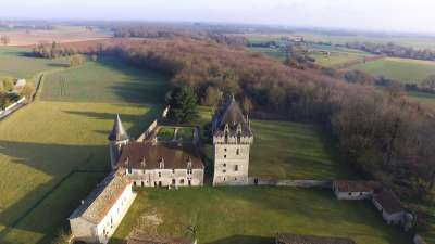 Image 2 | 5 bedroom French chateau for sale with 21 hectares of land, Poitiers, Vienne , Poitou-Charentes 205629