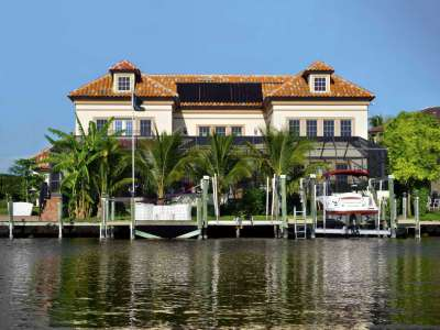 Image 1   Luxury Waterfront Villa for Sale in Cape Coral, Florida with 6 Bedrooms 208563