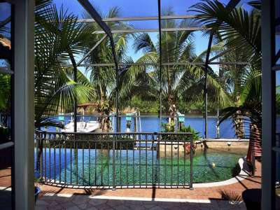 Image 10   Luxury Waterfront Villa for Sale in Cape Coral, Florida with 6 Bedrooms 208563
