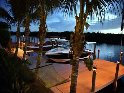 Image 11   Luxury Waterfront Villa for Sale in Cape Coral, Florida with 6 Bedrooms 208563