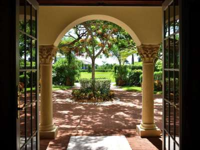 Image 3   Luxury Waterfront Villa for Sale in Cape Coral, Florida with 6 Bedrooms 208563