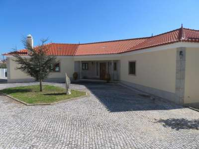 Image 1   5 bedroom villa for sale with 0.21 hectares of land, Lourinha, Lisbon District, Costa de Prata Silver Coast 208915