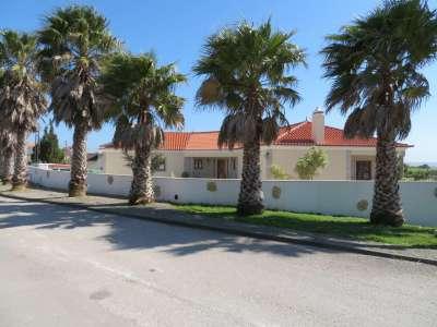 Image 2   5 bedroom villa for sale with 0.21 hectares of land, Lourinha, Lisbon District, Costa de Prata Silver Coast 208915