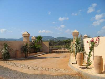 Image 17 | Superb Villa for Sale with Staff Apartment, Pool, Tennis Court and Sea Views. 208945