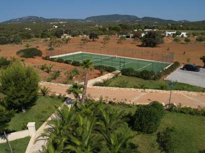 Image 18 | Superb Villa for Sale with Staff Apartment, Pool, Tennis Court and Sea Views. 208945