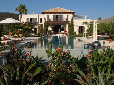 Image 2 | Superb Villa for Sale with Staff Apartment, Pool, Tennis Court and Sea Views. 208945