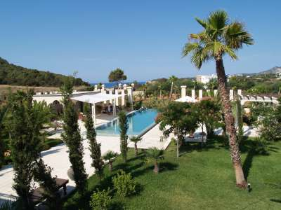 Image 4 | Superb Villa for Sale with Staff Apartment, Pool, Tennis Court and Sea Views. 208945