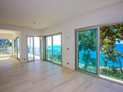 Image 4   3 bedroom villa for sale with 1,000m2 of land, Roquebrune Cap Martin, French Riviera 212451