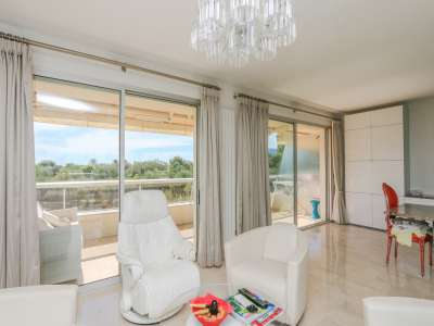 Image 6   3 bedroom apartment for sale with 35m2 of land, Roquebrune Cap Martin, French Riviera 215449