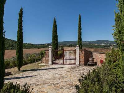 Image 15   5 bedroom farmhouse for sale with 3 hectares of land, Chiusi, Siena, Chianti Wine Region 216712