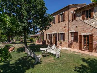Image 16   5 bedroom farmhouse for sale with 3 hectares of land, Chiusi, Siena, Chianti Wine Region 216712