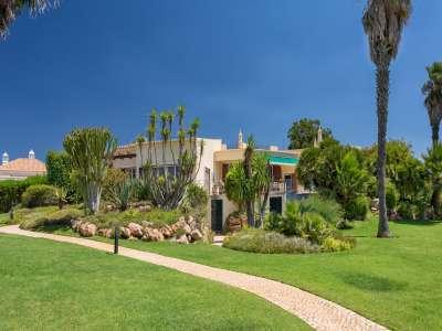 Image 2 | 4 bedroom villa for sale with 1.03 hectares of land, Victory Village Club, Carvoeiro, Western Algarve, Algarve 217389